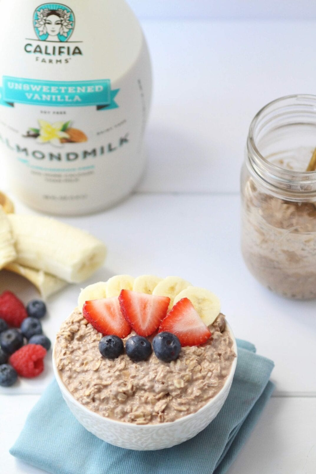 chocolate mousse overnight oats with Califia Farms