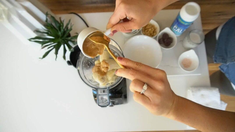 banana ice cream in blender