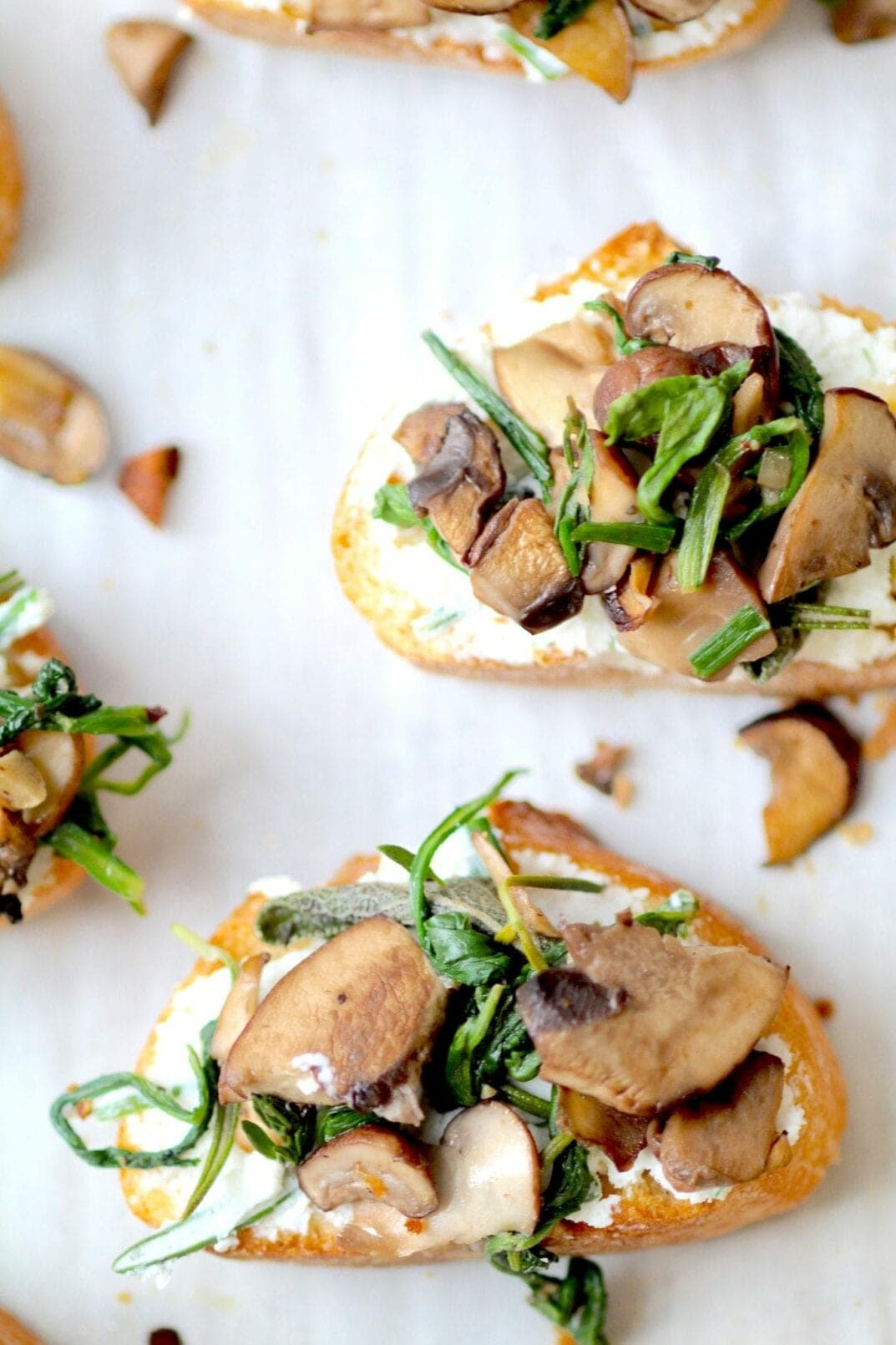 simple herb roasted mushroom + goat cheese crostini | www.nourishmovelove.com