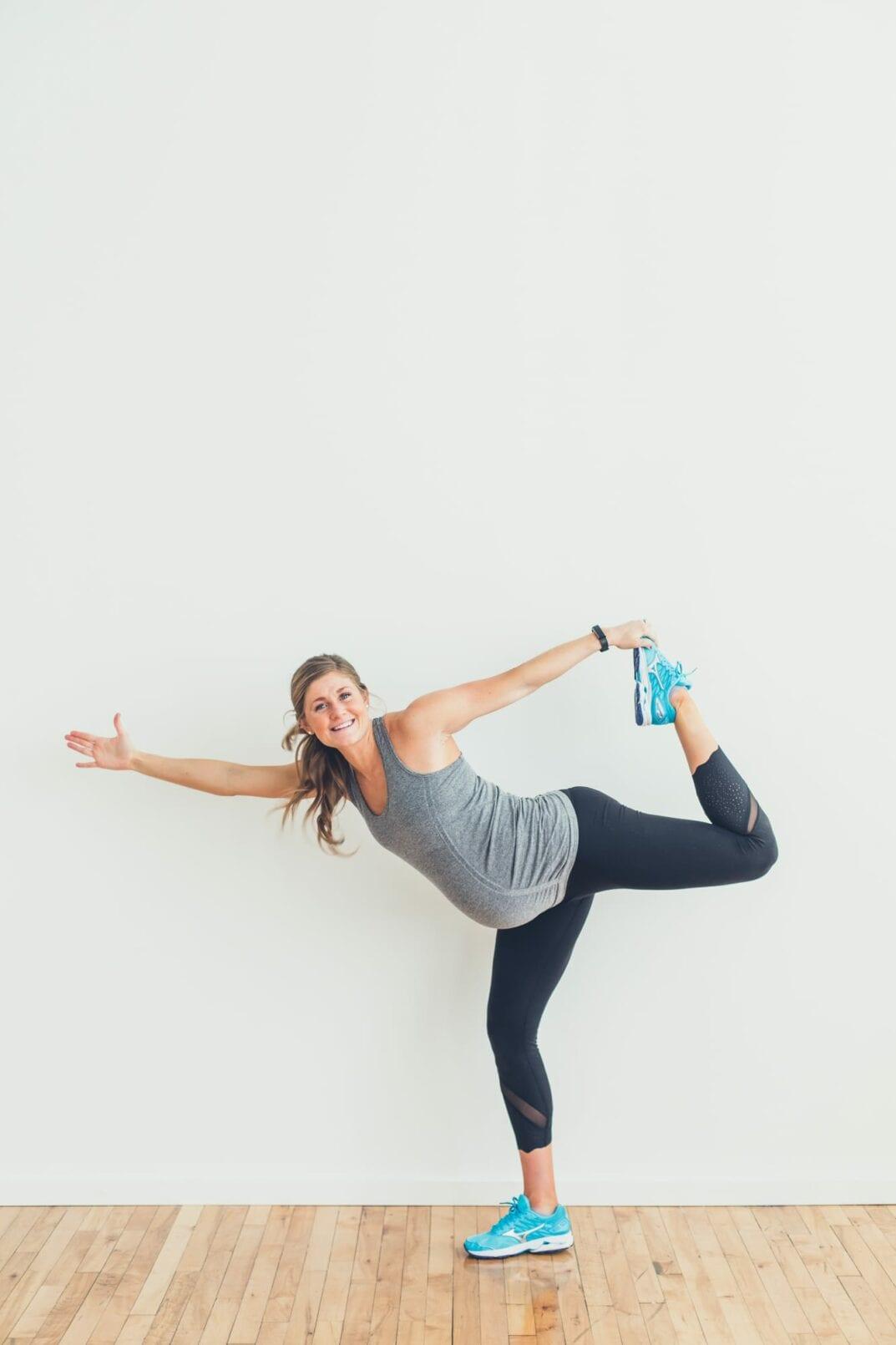 pregnancy workout apparel