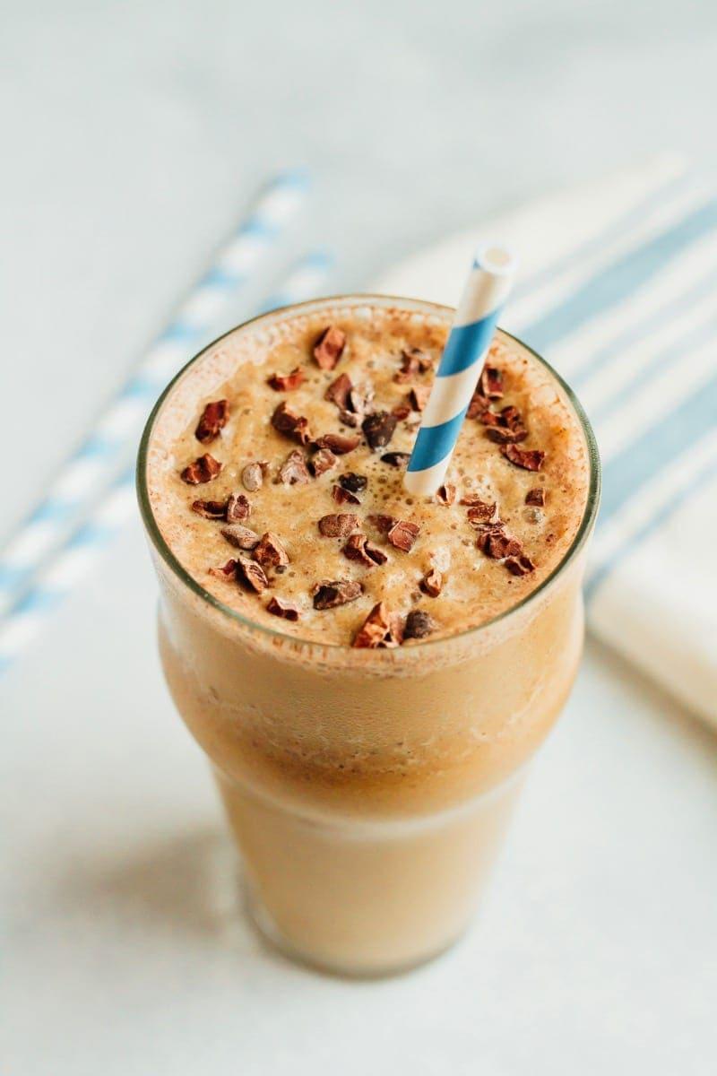 Malted Chocolate Cauliflower Smoothie | 15 Low Sugar Smoothie recipes | www.nourishmovelove.com