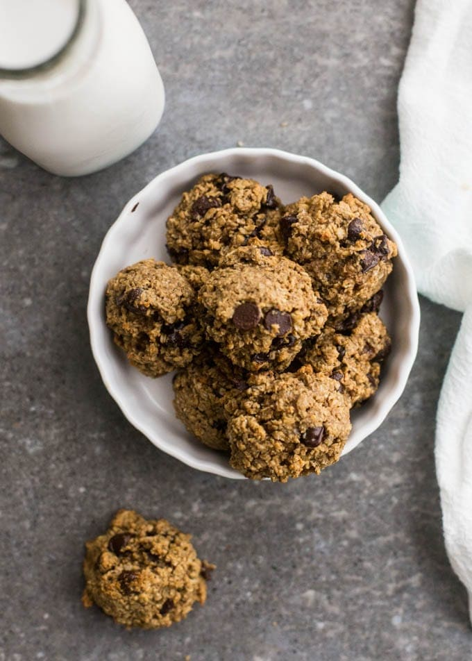 flourless-oatmeal-chocolate chippers   healthy packable snacks