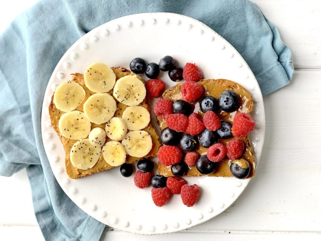 Toast with Berries and Bananas | Pregnancy Tips | Pregnancy Cravings