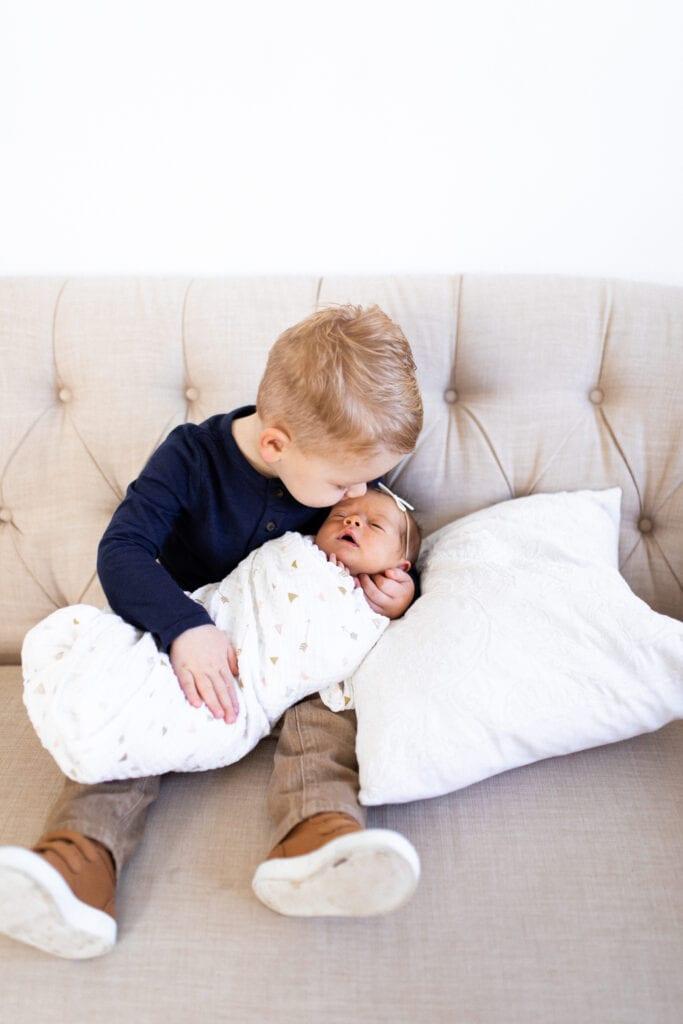 Newborn Photos Brody Kisses Bella