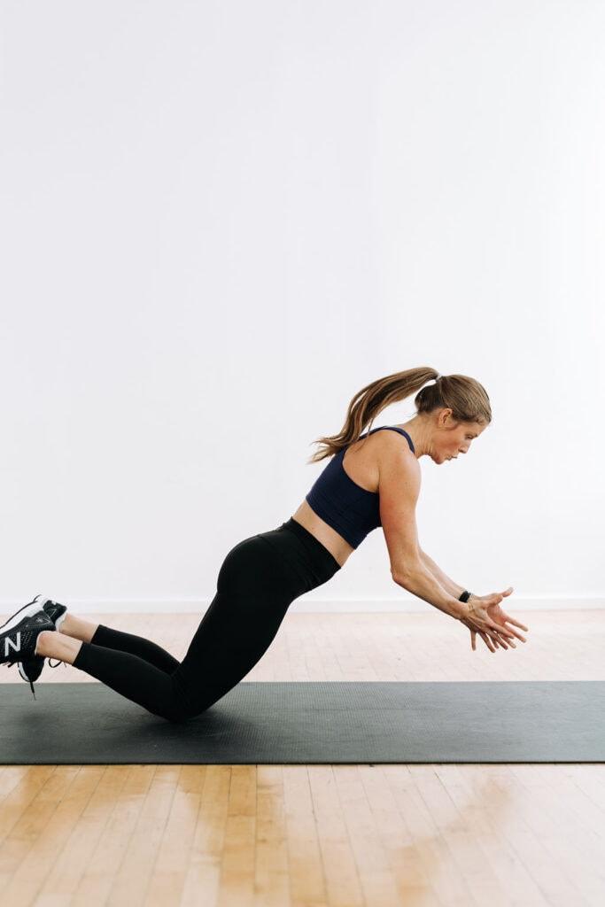 Plyometric Push Up on knees | Chipper Workout