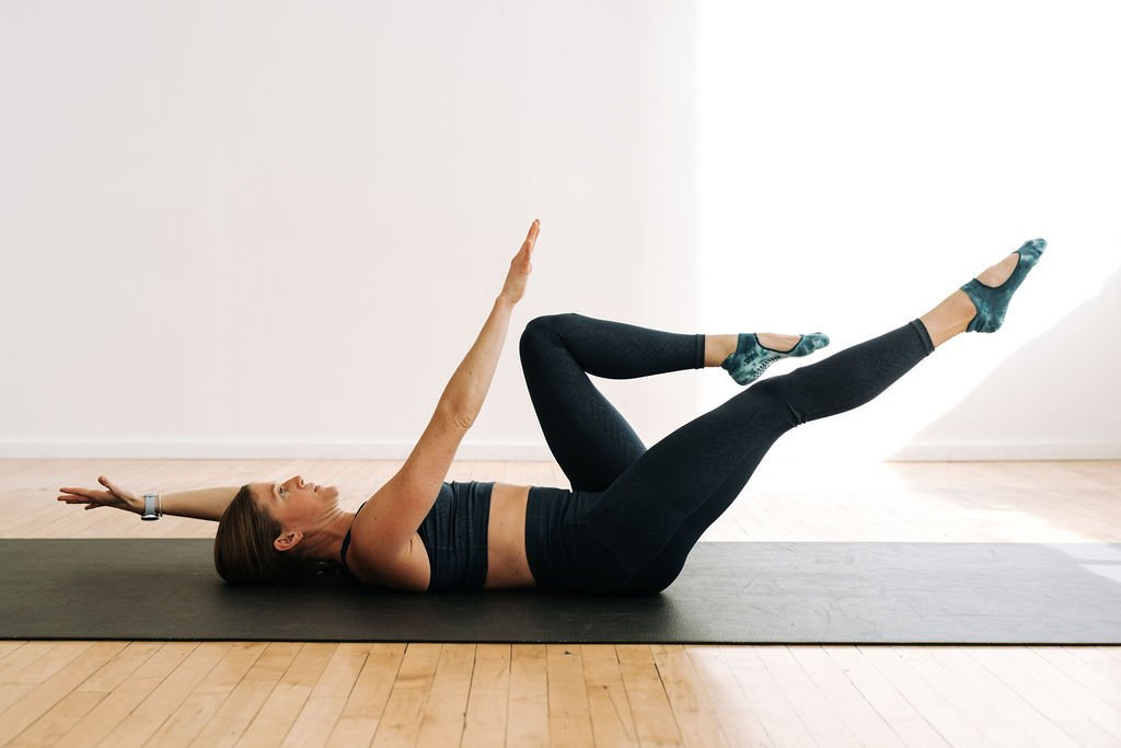 dead bug ab exercise | Best ab exercises for beginners